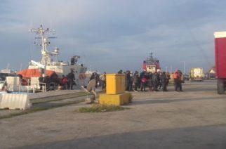 Αλεξανδρούπολη: Άλλους 37 Αφγανούς και Ιρανούς λαθρομετανάστες περισυνέλεξε το Λιμενικό στη Νέα Χιλή