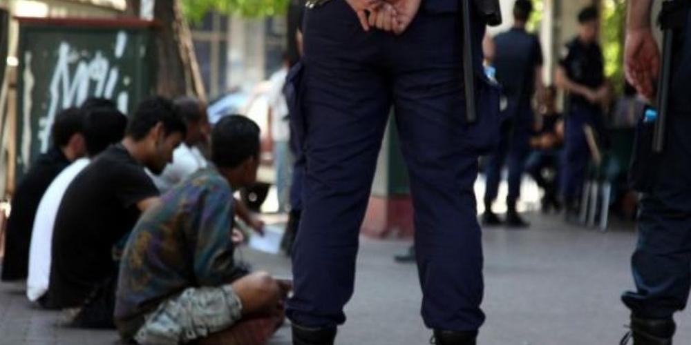 Μόνο τον Οκτώβριο συνελήφθησαν 72 διακινητές και 1.525 λαθρομετανάστες που πέρασαν απ' τον Έβρο
