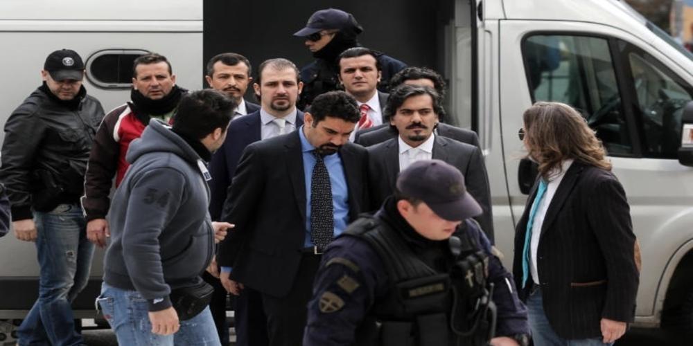 """Το απόρρητο σχέδιο για να """"αρπάξει"""" η Τουρκία τους 8 στρατιωτικούς που είχαν έρθει στην Αλεξανδρούπολη!!!"""
