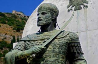 Διδυμότειχο: Άγαλμα του Αυτοκράτορα Κωνσταντίνου Παλαιολόγου εγκαινιάζεται στην έδρα της 16ης Μεραρχίας