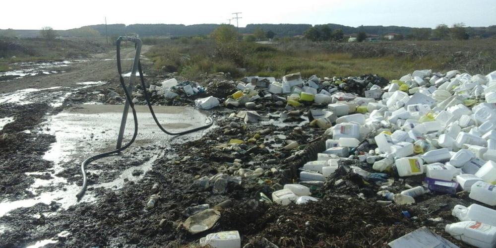 Ορεστιάδα: Επικίνδυνες άδειες συσκευασίες φυτοφαρμάκων, πεταμένες και παρατημένες σε χωριό της περιοχής