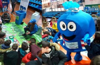 """Αλεξανδρούπολη: Περισσότεροι από 500 μαθητές συμμετείχαν στο """"Ανακύκλωσε στους Μπλε Κάδους του Δήμου σου"""""""