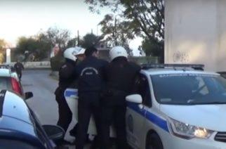 """Αλεξανδρούπολη: Συνέλαβαν 20χρονο που """"ζήλεψε"""" τον πρώην υπουργό Λιάπη, οδηγώντας αυτοκίνητο με πλαστές πινακίδες"""