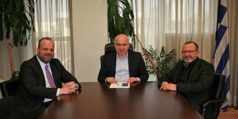 Συνάντηση του Διοικητή του ΟΑΕΔ με τον Περιφερειάρχη Χρήστο Μέτιο και τον δήμαρχο Κομοτηνής