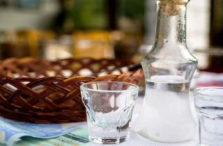 Έβρος: Πρόστιμο 1.000 ευρώ στους καταστηματάρχες για το χύμα τσίπουρο