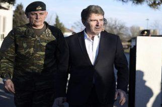 Χρυσοχοίδης από τον Έβρο: Η Ελλάδα προστατεύει τα σύνορα της