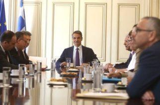 Σύσκεψη σε λίγη ώρα στο Μαξίμου για τον Έβρο και τα νησιά, συγκάλεσε ο Πρωθυπουργός