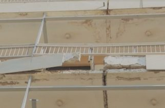Αλεξανδρούπολη: Επικίνδυνη πτώση τμήματος μπαλκονιού από πολυκατοικία – Συστάσεις του δήμου για προληπτικούς ελέγχους