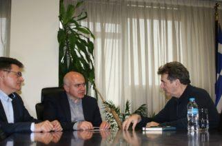 Την άμεση κατασκευή νέου συνοριακού φράχτη, συζήτησαν ο υπουργός Μιχάλης Χρυσοχοίδης και ο Περιφερειάρχης Χρήστος Μέτιος