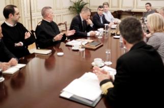 Σύσκεψη στο Μαξίμου για τον Έβρο: Ικανοποίηση για την πετυχημένη αποτροπή της μαζικής εισβολής