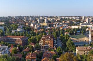 Στην Βουλγαρία για καφέ και φαγητό κάποιοι Εβρίτες, λόγω των απαγορεύσεων για τον κορονοϊό