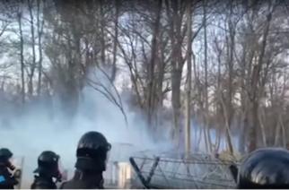 """Σκληρές """"μάχες"""" απόψε στο δάσος των Καστανεών – Αποτράπηκε νέα, ομαδική απόπειρα εισβολής"""