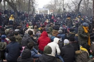 Στήνουν άτυπο λαθρομεταναστευτικό καταυλισμό απέναντι από τις Καστανιές οι Τούρκοι