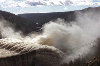 Υπερχείλισε το φράγμα του Ιβαήλοβγκραντ στη Βουλγαρία – Ποσότητες νερού φτάνουν ήδη σε Άρδα, Έβρο