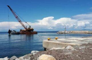 Σαμοθράκη: Άρχισαν οι εργασίες καθαρισμού και στο λιμανάκι των Θέρμων