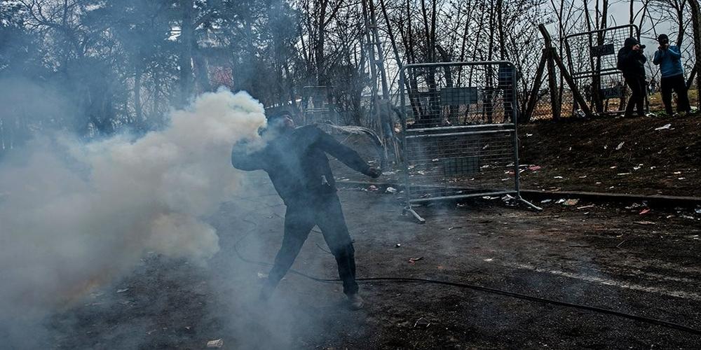 Σε φωτογραφίες της τουρκικής Βουλής βασίζονται τα fake news για νεκρό λαθρομετανάστη στον Έβρο