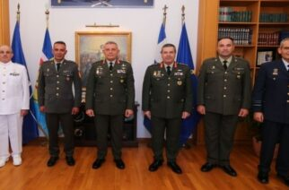 Έβρος: O αρχηγός ΓΕΕΘΑ βράβευσε υπαξιωματικούς για τις ενέργειές τους στην κρίση των συνόρων