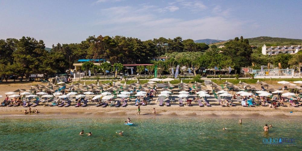Το αγαπημένο σας Aqua Mare Beach Bar, άνοιξε και σας περιμένει για αξέχαστες καλοκαιρινές εμπειρίες