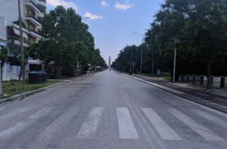 """Αλεξανδρούπολη: """"Έρημη"""" η παραλιακή οδός, γκρίνιες του κόσμου που παραμένει κλειστή όλη την Κυριακή"""