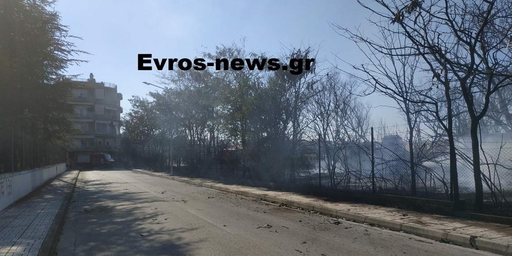Απείλησε σοβαρά πολυκατοικία, έκαψε αγροτικά παραπήγματα, η πυρκαγιά δίπλα στο νέο Κολυμβητήριο Αλεξανδρούπολης