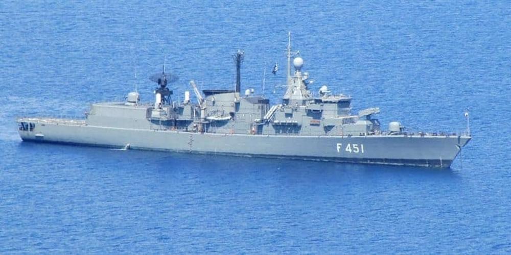 """Η ελληνική φρεγάτα """"F-451 ΛΗΜΝΟΣ""""… επακούμβησε και έστειλε στο… συνεργείο τουρκική φρεγάτα συνοδευτική του Oruc Reis"""