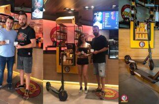Δυο τυχεροί κέρδισαν τα ηλεκτρικά πατίνια στο διαγωνισμό του Μikel Coffee Αλεξανδρούπολης