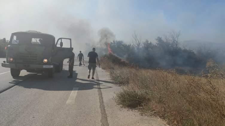 """Κι ο στρατός στη """"μάχη"""" κατάσβεσης της πυρκαγιάς στην περιοχή Τραίανούπολης"""