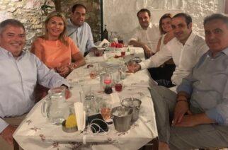 Ένας Εβρίτης, στο πρώτο δείπνο-συνάντηση του στενότερου συνεργάτη του Πρωθυπουργού Κυριάκου Μητσοτάκη