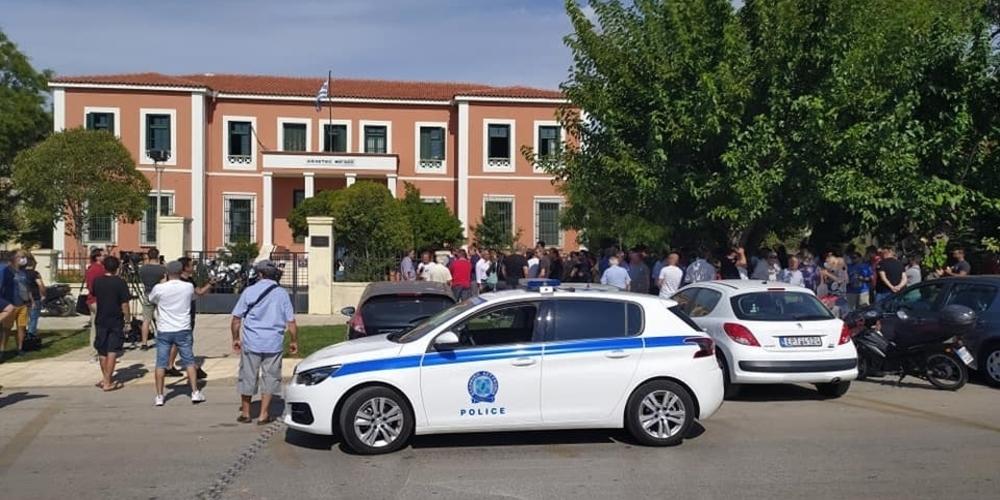 Αλεξανδρούπολη ΤΩΡΑ: Ξεκινάει η δίκη του Φεριώτη για ρατσιστική βία στη συμπλοκή με τους Τούρκους