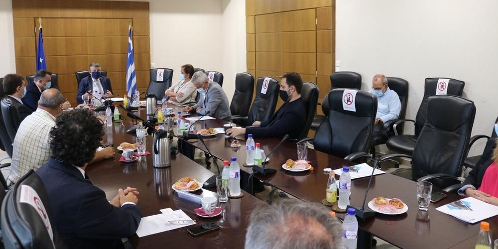 Επίσκεψη Προέδρου Ντόρας Μπακογιάννη και της Διακομματικής Επιτροπής για την Θράκη στο Επιμελητήριο Έβρου