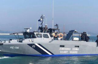Σαμοθράκη: Επείγουσα διακομιδή δύο ασθενών, γυναίκας και άνδρα, με σκάφος του Λιμενικού στην Αλεξανδρούπολη