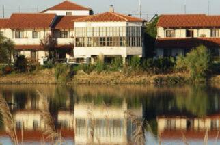 """Σουφλί: Επαναδημοπρατείται το ξενοδοχείο """"ΘΡΑΣΣΑ"""" στη λίμνη Τυχερού απ' τον δήμο – Οι όροι"""
