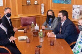 Συναντήσεις με δήμαρχο Αλεξανδρούπολης και διοίκηση Επιμελητηρίου, για τον Επιτετραμμένο και την Πρόξενο των ΗΠΑ