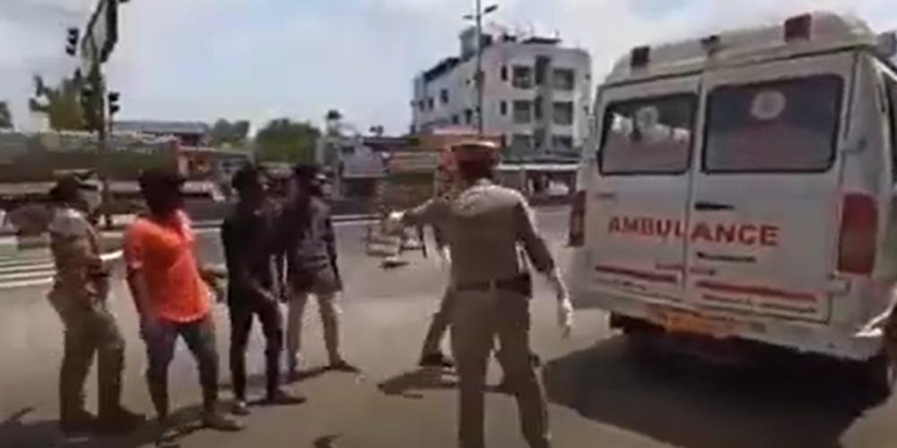ΒΙΝΤΕΟ: Τι κάνει η αστυνομία της Ινδίας στους αρνητές μάσκας