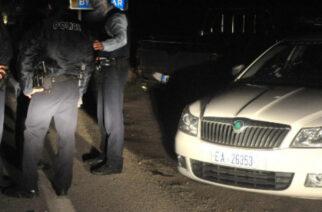 Σουφλί: Συνέλαβαν στην Μάνδρα διακινητές, ενώ καθοδηγούσαν με τα πόδια λαθρομετανάστες