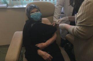 Κορονοϊός: Η Εβρίτισσα ηλικίας 100 χρόνων που εμβολιάστηκε χθες στο Π.Γ.Νοσοκομείο Αλεξανδρούπολης