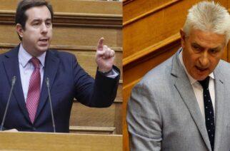 """Δημοσχάκης για Μηταράκη: """"Δεν είχα κοινοβουλευτικές υποχρεώσεις. Δεν ήθελα να τον υποδεχθώ"""" – Πότε λέει αλήθεια;"""