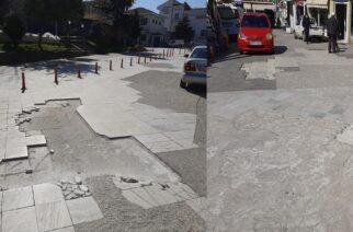 """Διδυμότειχο: Ένα από τα """"αξιοθέατα"""" της κεντρικής πλατείας -Λακκούβες και σπασμένα μάρμαρα"""