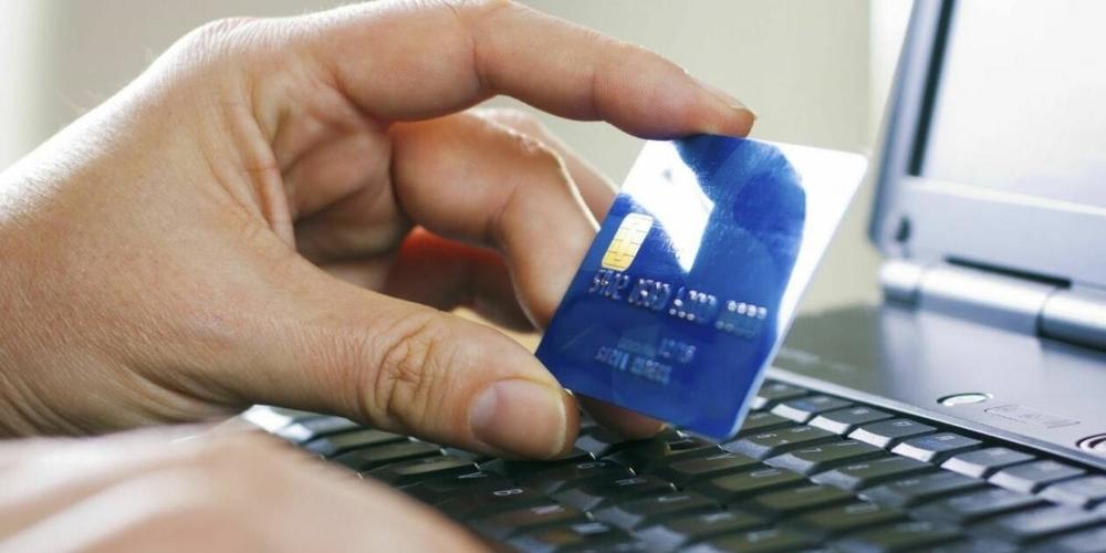 """Ορεστιάδα: """"Έκλεψε"""" από συνάδερφο τους κωδικούς τραπεζικής κάρτας και του… ξάρφισε ηλεκτρονικά χρήματα"""