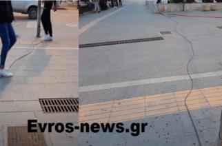 Ορεστιάδα: Γυμνό καλώδιο ηλεκτρικού ρεύματος στην κεντρική πλατεία, επικίνδυνο για τους πολίτες (ΒΙΝΤΕΟ)