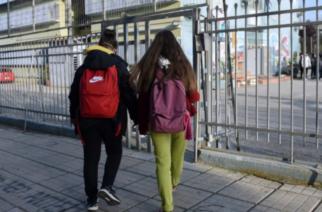 Σχολεία: Στον «αέρα» το άνοιγμα δημοτικών – γυμνασίων – «Κλειδώνει» η ματαίωση των προαγωγικών