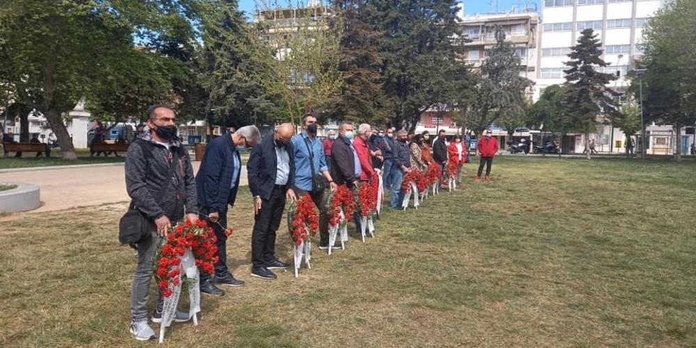 Αλεξανδρούπολη: Κατάθεση στεφάνων από εκπροσώπους εργαζομένων για την Εργατική Πρωτομαγιά
