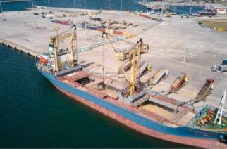 Χιλιάδες τόνοι εβρίτικο σιτάρι φορτώνονται για Ιταλία στο λιμάνι Αλεξανδρούπολης, αξιοποιώντας το και εμπορικά