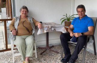 Από τα Δίκαια, συναντώντας αγωνίστρια του ΠΑΣΟΚ, ξεκίνησε η περιοδεία Ανδρέα Λοβέρδου στον Έβρο