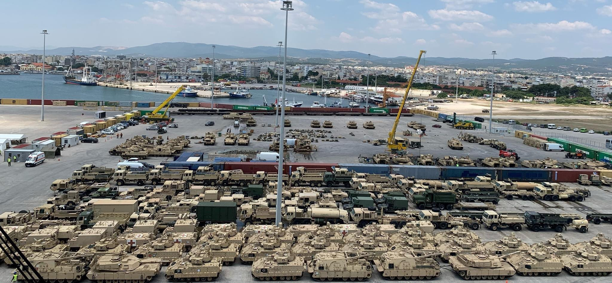 First batch of American Abrams tanks unloaded at the port of Alexandroupolis 7