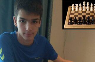Νικόλας Κούτλας: O 14χρονος Έλληνας «βασιλιάς» του σκάκι είναι από τις Φέρες Έβρου
