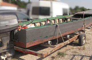 Αλεξανδρούπολη: Κουβαλούσε με την ξύλινη βάρκα αντί για ψάρια… λαθρομετανάστες και συνελήφθη