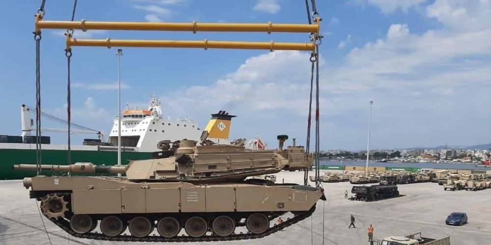 Το πρώτο M1A2 Abrams tank των αμερικανικών στρατιωτικών δυνάμεων, ξεφορτώθηκε χθες στο λιμάνι Αλεξανδρούπολης