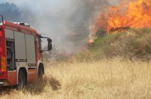 Σουφλί: Κίνδυνος για το χωριό Λαγυνά από αναζοπυρώσεις – Μερική εκκένωση σπιτιών κοντά στη φωτιά